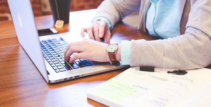 Ausbildung zur/zum Bürokauffrau/mann (BKM8)